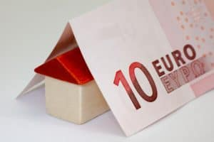 money euro bank note calculator budget save finance stock exchange 1021889 e1530176399639